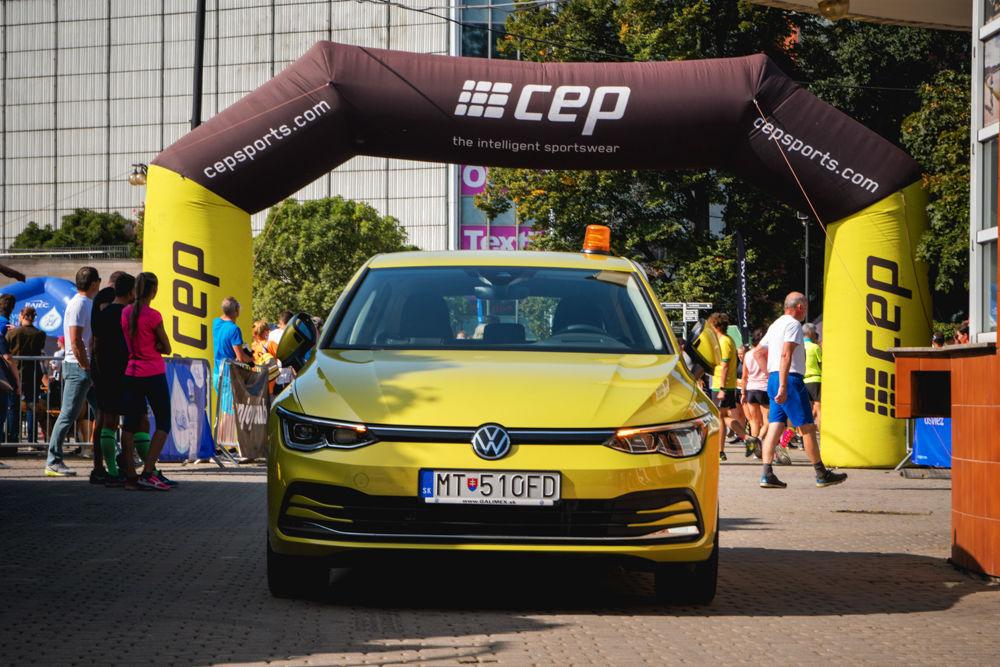 FOTO: Na Hlinkovom námestí odštartoval Žilinský mestský polmaratón 2020, foto 14
