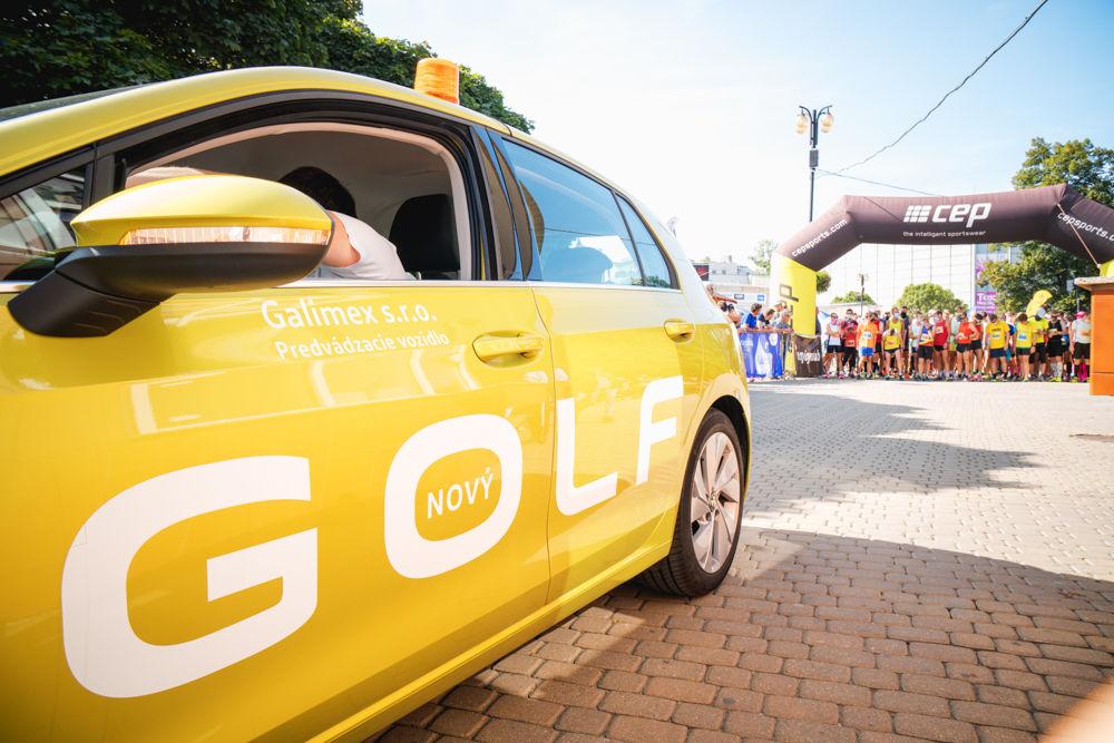 FOTO: Na Hlinkovom námestí odštartoval Žilinský mestský polmaratón 2020, foto 15