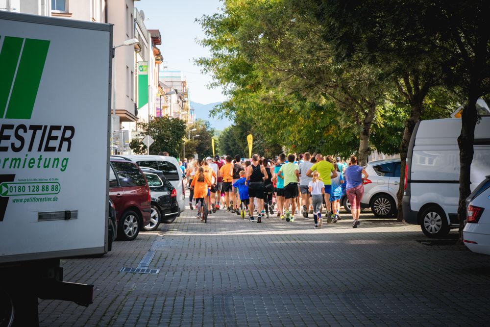 FOTO: Na Hlinkovom námestí odštartoval Žilinský mestský polmaratón 2020, foto 24