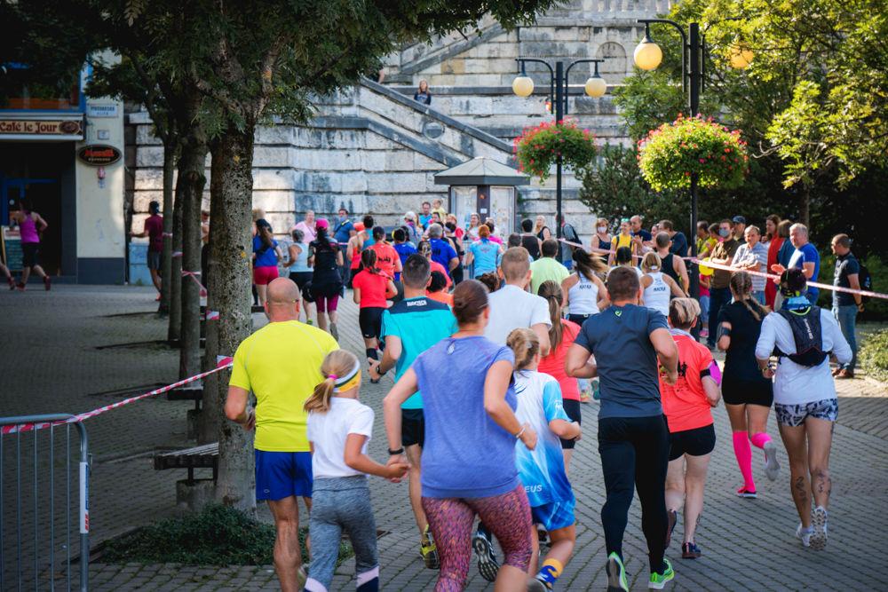 FOTO: Na Hlinkovom námestí odštartoval Žilinský mestský polmaratón 2020, foto 27