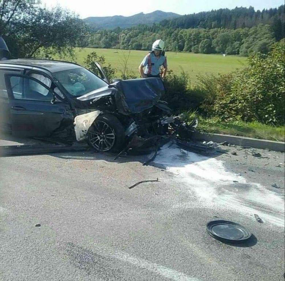 FOTO: Pri Rajeckých Tepliciach došlo k vážnej dopravnej nehode, zasahuje aj vrtuľník, foto 3
