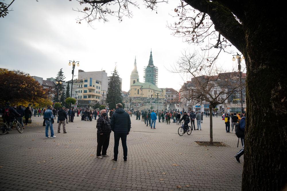 FOTO: V Žiline sa zišlo niekoľko stoviek ľudí na protest proti vládnym opatreniam, foto 5