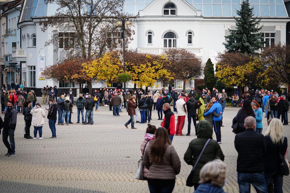 FOTO: V Žiline sa zišlo niekoľko stoviek ľudí na protest proti vládnym opatreniam, foto 11