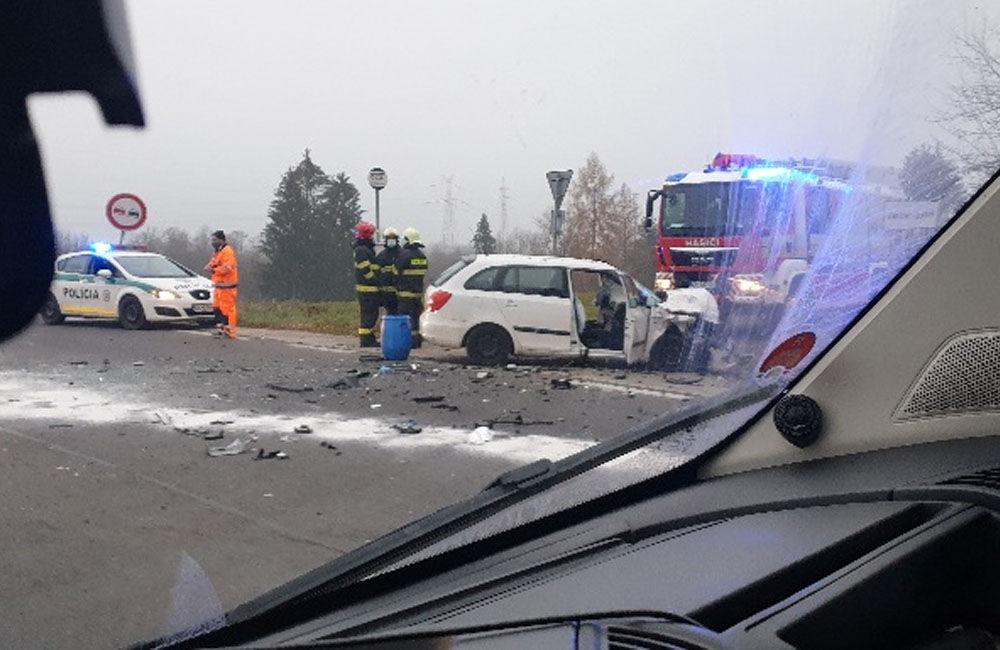 FOTO: Ranná dopravná nehoda pri Mojšovej Lúčke 24.11.2020, foto 1