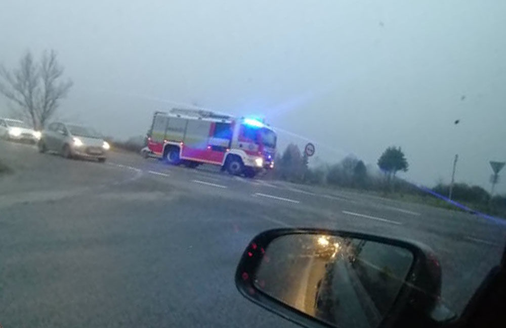 FOTO: Ranná dopravná nehoda pri Mojšovej Lúčke 24.11.2020, foto 3