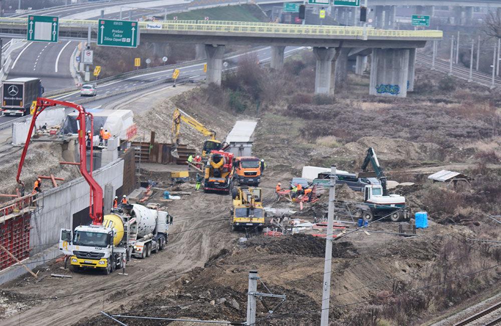 FOTO: Diaľničnú križovatku v Hričovskom Podhradí rozširujú krátko pred otvorením o nové jazdné pruhy, foto 3