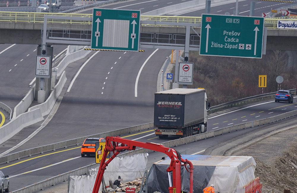 FOTO: Diaľničnú križovatku v Hričovskom Podhradí rozširujú krátko pred otvorením o nové jazdné pruhy, foto 2