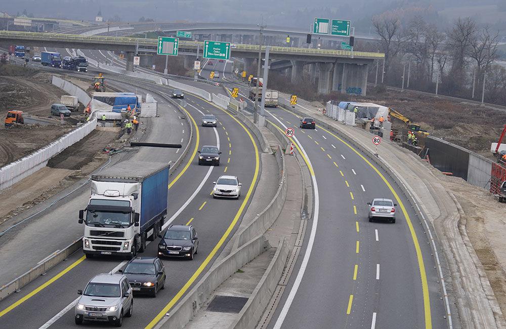 FOTO: Diaľničnú križovatku v Hričovskom Podhradí rozširujú krátko pred otvorením o nové jazdné pruhy, foto 9