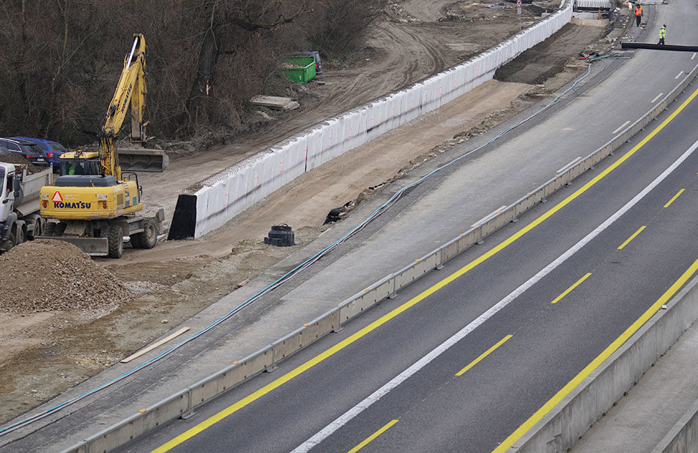 FOTO: Diaľničnú križovatku v Hričovskom Podhradí rozširujú krátko pred otvorením o nové jazdné pruhy, foto 13