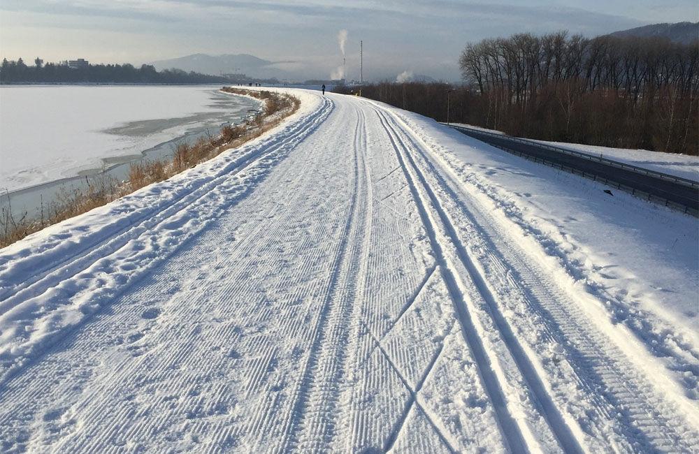 FOTO: Na Vodnom diele Žilina bola vytvorená trať pre bežkárov vedúca až do obce Varín, foto 1
