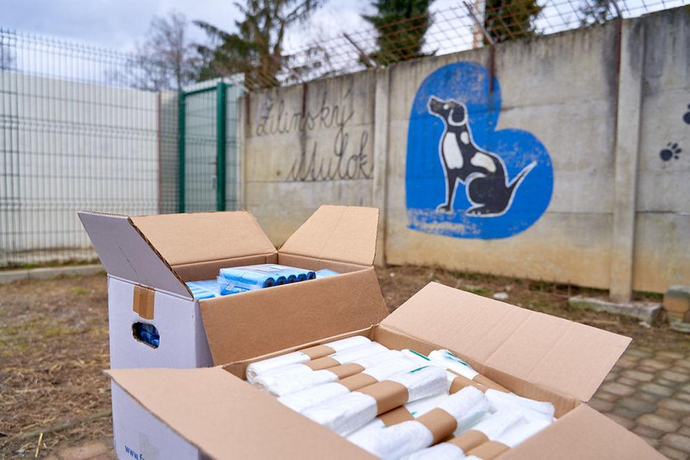 FOTO: Darovanie vreciek na exkrementy útulku Žilina, foto 4