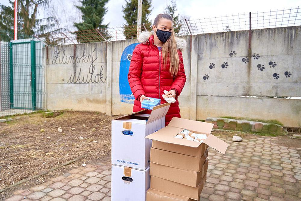 FOTO: Darovanie vreciek na exkrementy útulku Žilina, foto 7