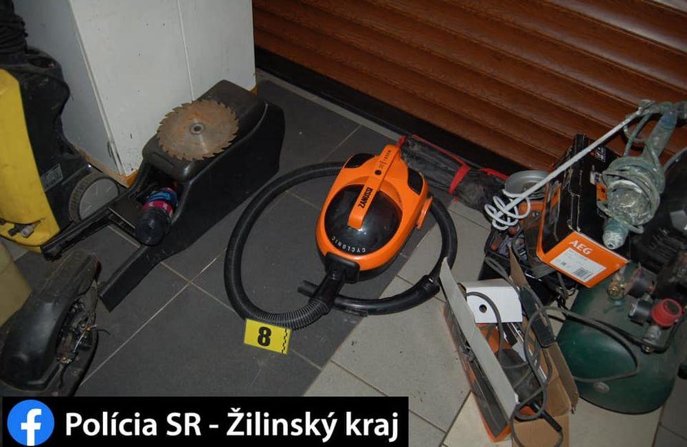 FOTO: Dolapenie dvoch podozrivých z krádeže elektrotechniky , foto 1
