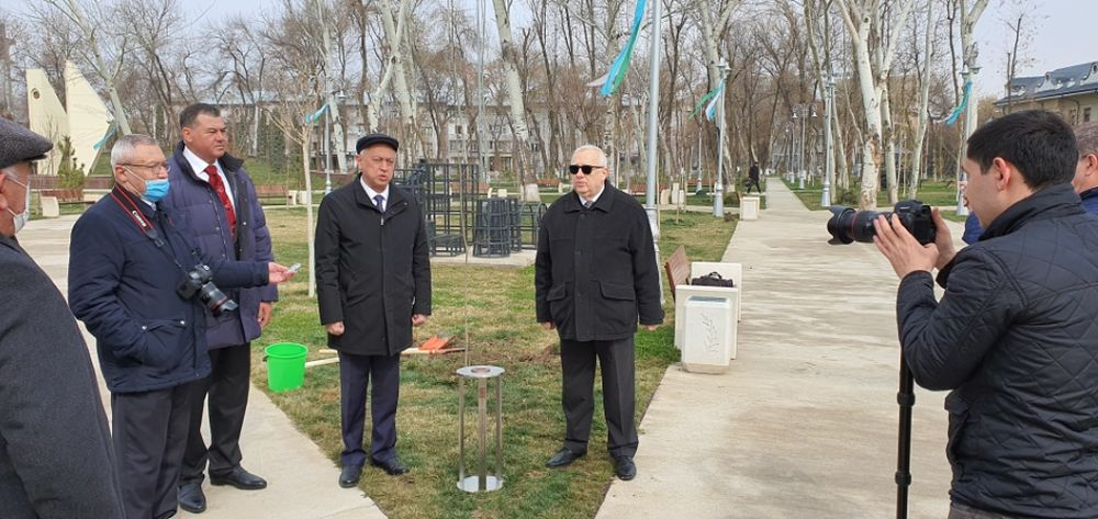 FOTO: Vysadenie Stromu pokoja v Uzbekistane, foto 5