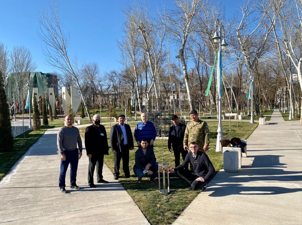 FOTO: Vysadenie Stromu pokoja v Uzbekistane, foto 21