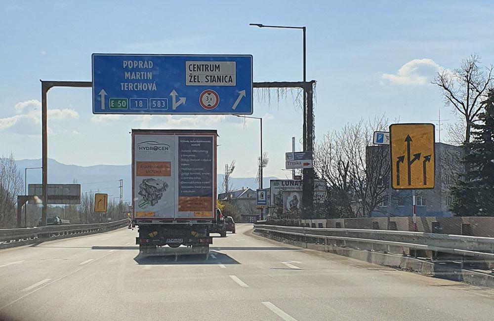 FOTO: Na Ľavobrežnej ulici začali celoplošné opravy, prebieha aj obnova značenia a výmena zvodidiel, foto 5