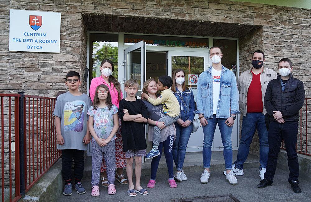 FOTO: Dar žilinskej firmy PDM Autosúčiastky pre deti v Centre pre deti a rodiny v Bytči, foto 5