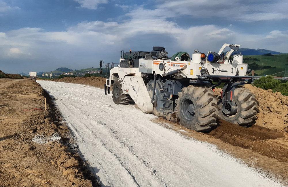 FOTO: Na Orave začala výstavba 5,5 kilometrového úseku rýchlostnej cesty, nový obchvat odľahčí Tvrdošín, foto 8