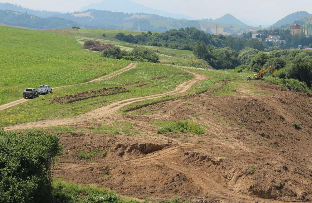 FOTO: Na Orave začala výstavba 5,5 kilometrového úseku rýchlostnej cesty, nový obchvat odľahčí Tvrdošín, foto 6
