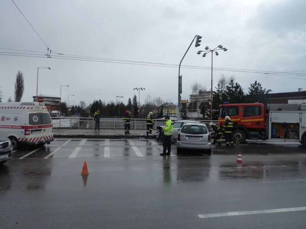 Aktuálne dopravná nehoda na Mostnej ulici, foto 2