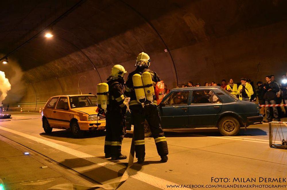 Cvičenie žilinských hasičov v tuneli Horelica v Čadci, foto 1
