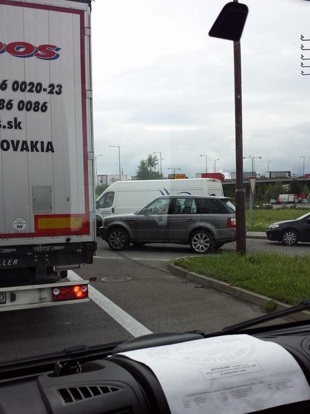 Dopravná nehoda na Šibeniciach 12.8.2014, foto 2