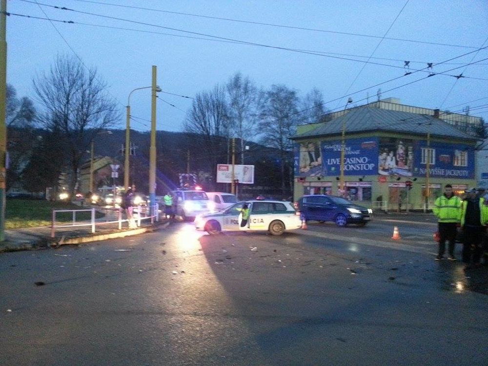 Dopravná nehoda Predmestská a Veľká okružná, foto 3