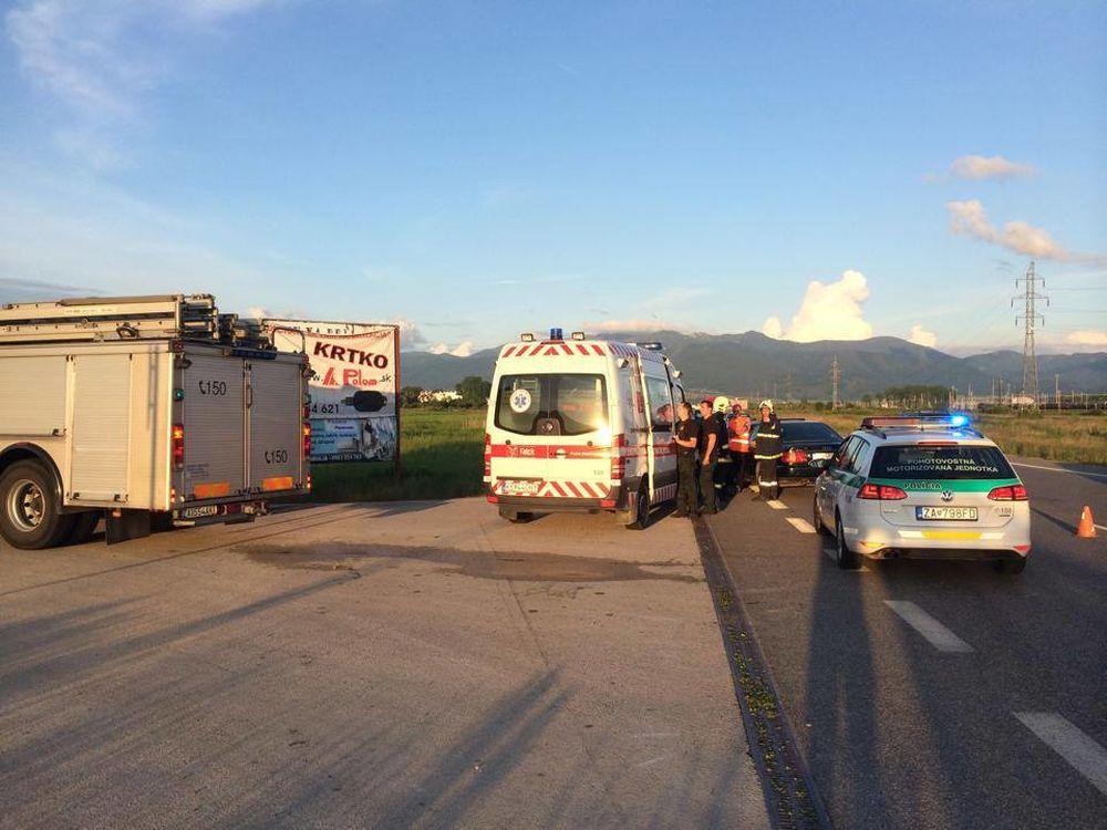 Dopravná nehoda pri Tepličke nad Váhom 27.5.2014, foto 1