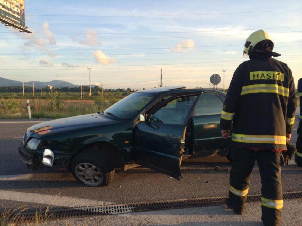 Dopravná nehoda pri Tepličke nad Váhom 27.5.2014, foto 2