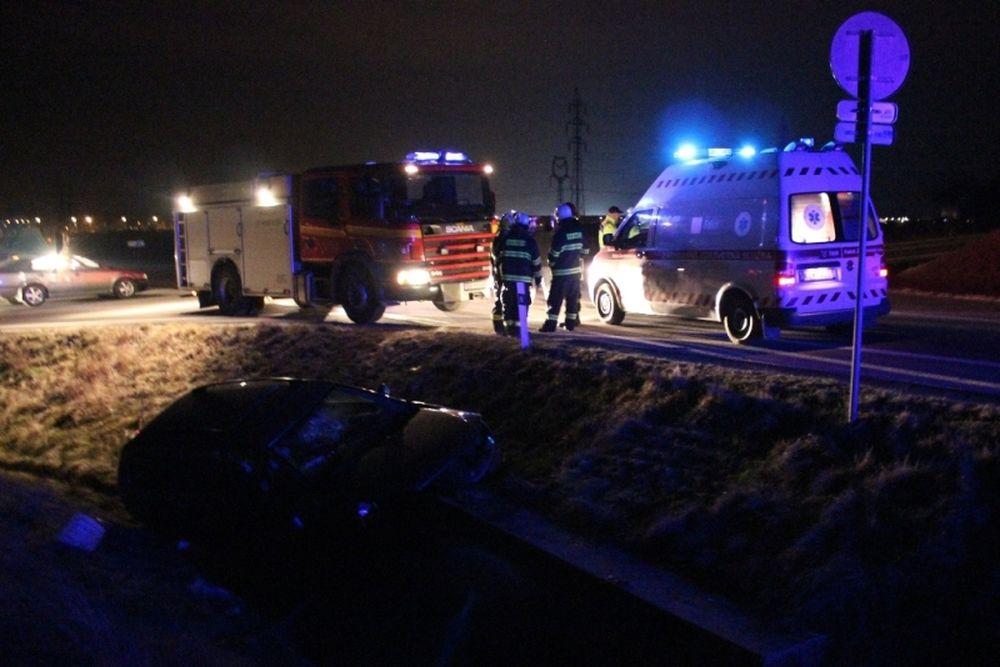 Dopravná nehoda pri Varíne 27.2.2014, foto 1