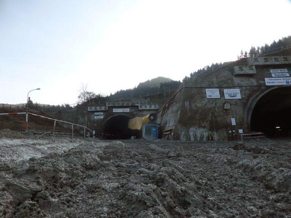 Exkluzívne aktuálne fotografie z Tunela Ovčiarsko , foto 11