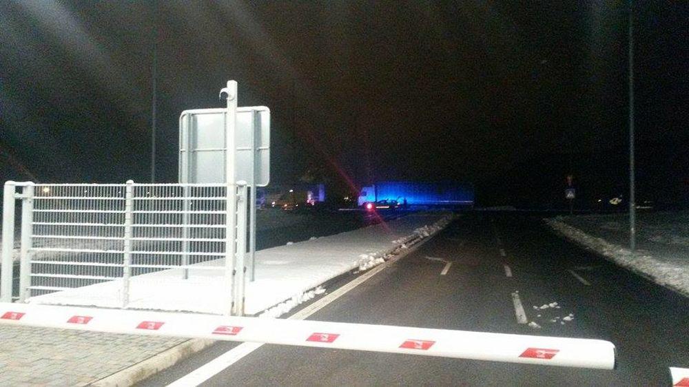 Hádka kamionistov v Tepličke nad Váhom skončila fyzickým napadnutím, foto 1