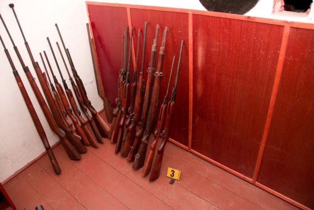 Nedovolené ozbrojovanie vo Varíne pri Žiline, foto 1