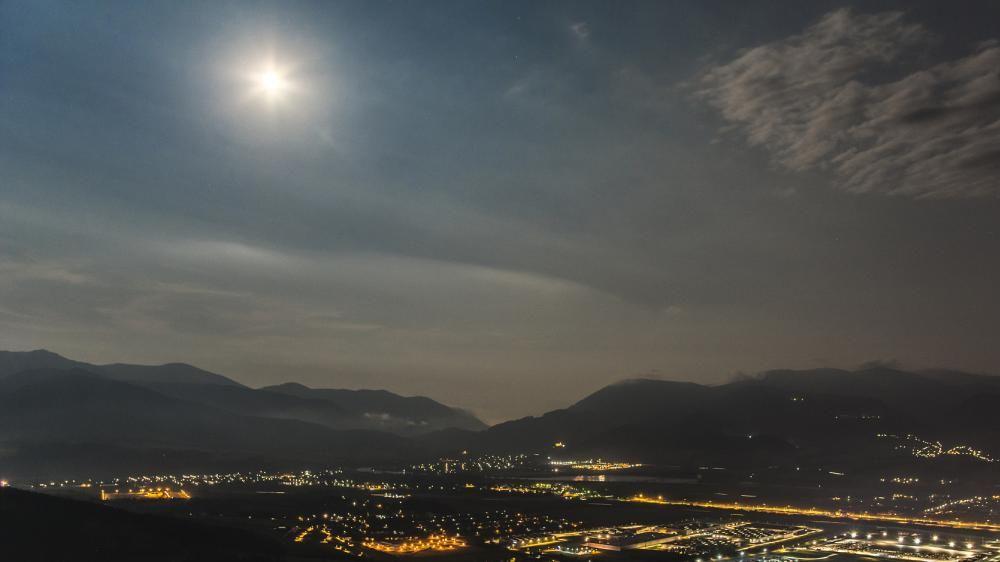 Nočná Žilina pohľad Straník, foto 2