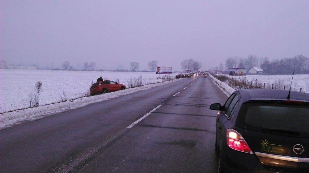 Poľadovica na ceste do Terchovej, pri Varíne, foto 1