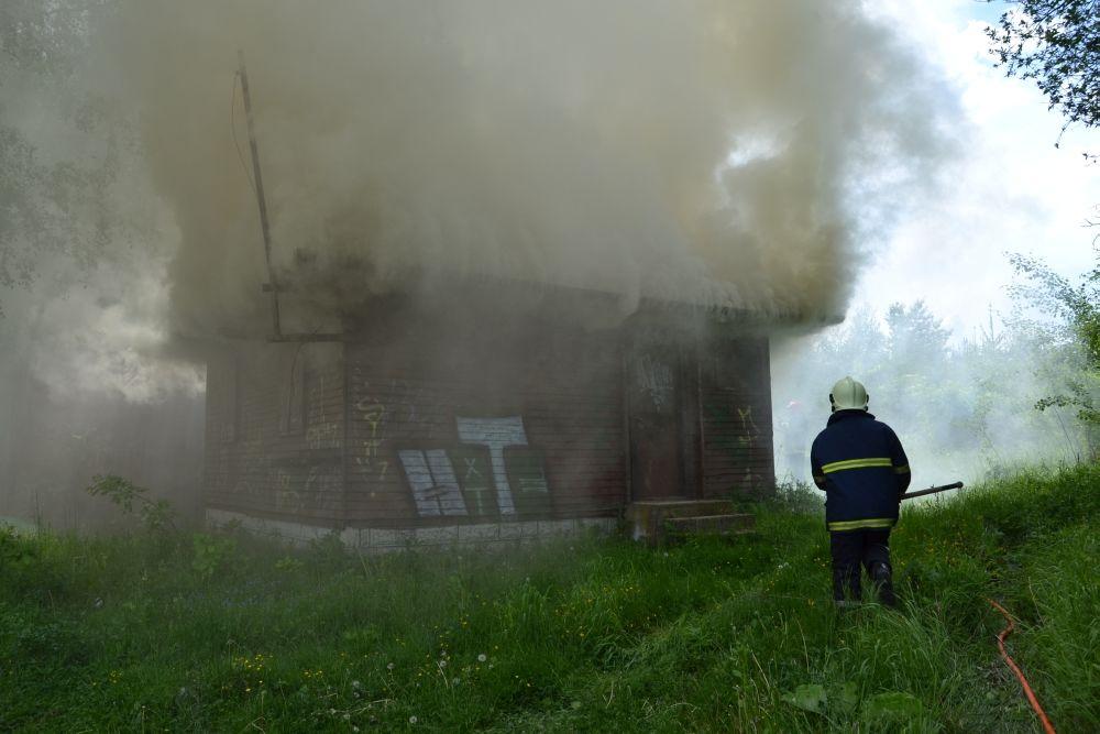 Požiar holubiarskej chaty v Trnovom 24.mája 2014, foto 1