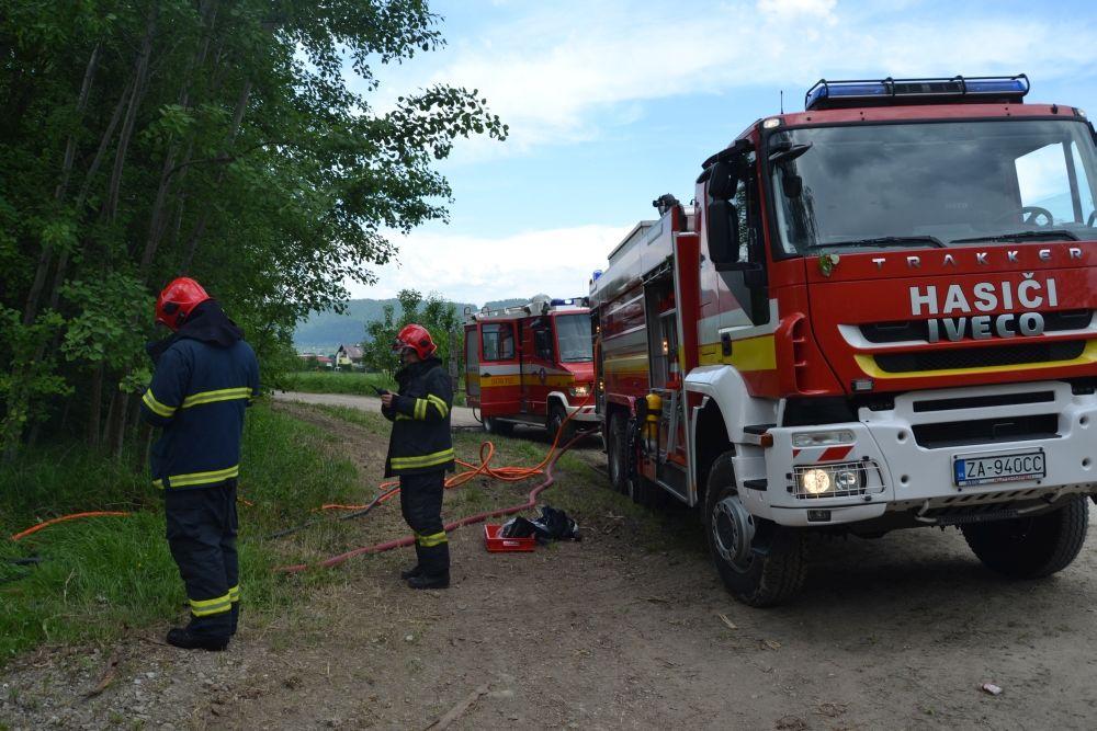 Požiar holubiarskej chaty v Trnovom 24.mája 2014, foto 11