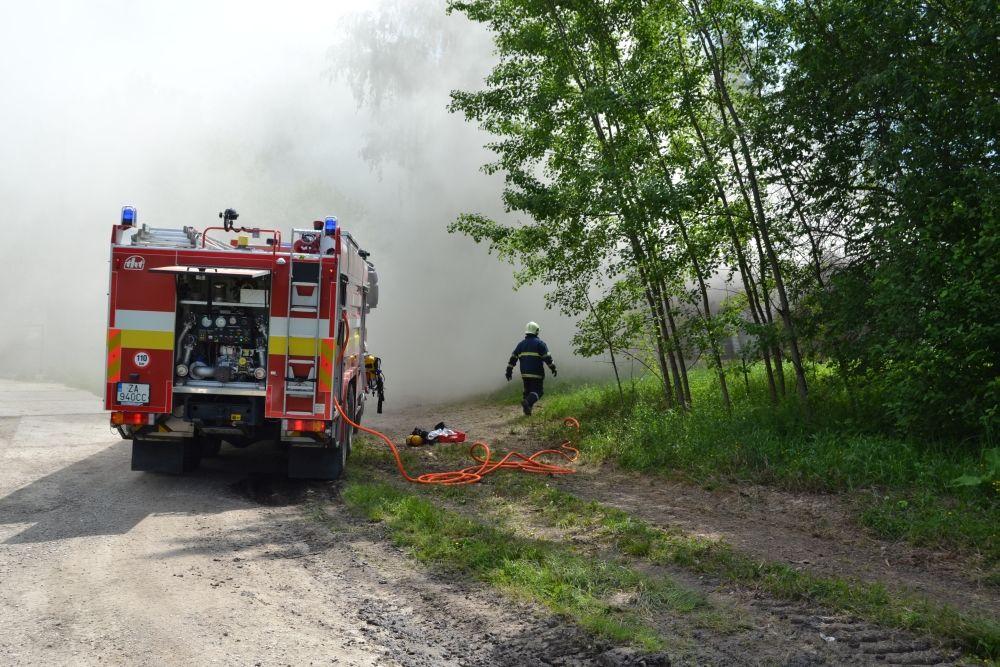 Požiar holubiarskej chaty v Trnovom 24.mája 2014, foto 6