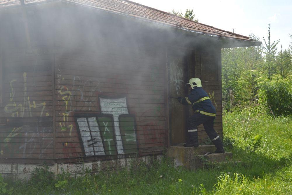 Požiar holubiarskej chaty v Trnovom 24.mája 2014, foto 7