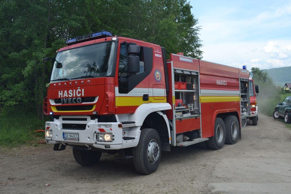 Požiar holubiarskej chaty v Trnovom 24.mája 2014, foto 9