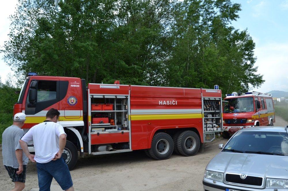 Požiar holubiarskej chaty v Trnovom 24.mája 2014, foto 10