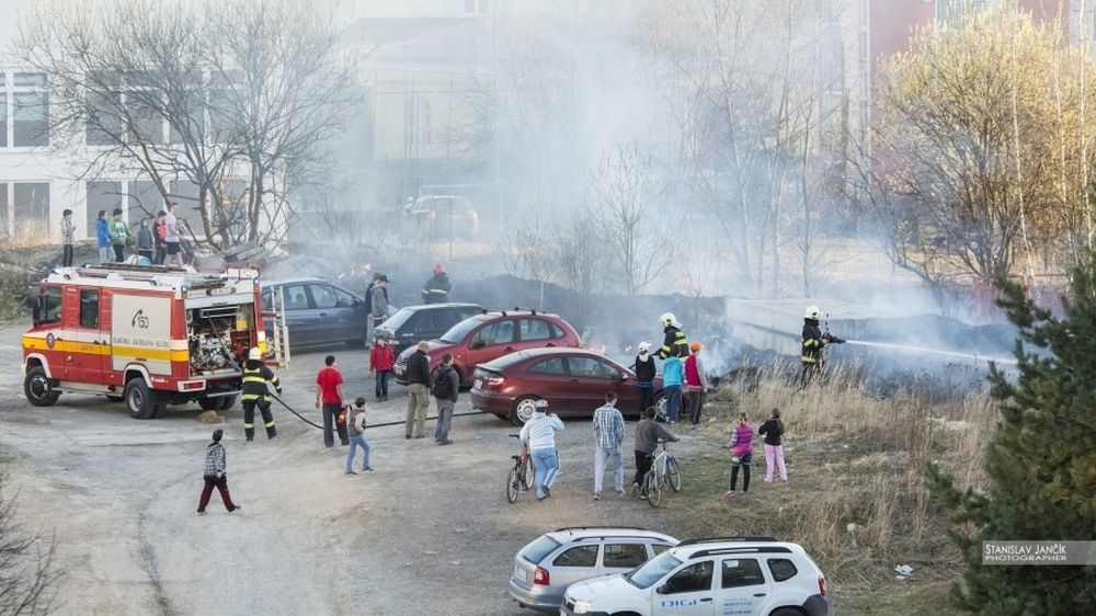 Požiar trávnatých plôch na Hájiku, foto 1