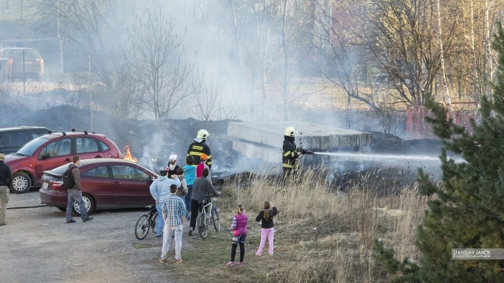 Požiar trávnatých plôch na Hájiku, foto 2