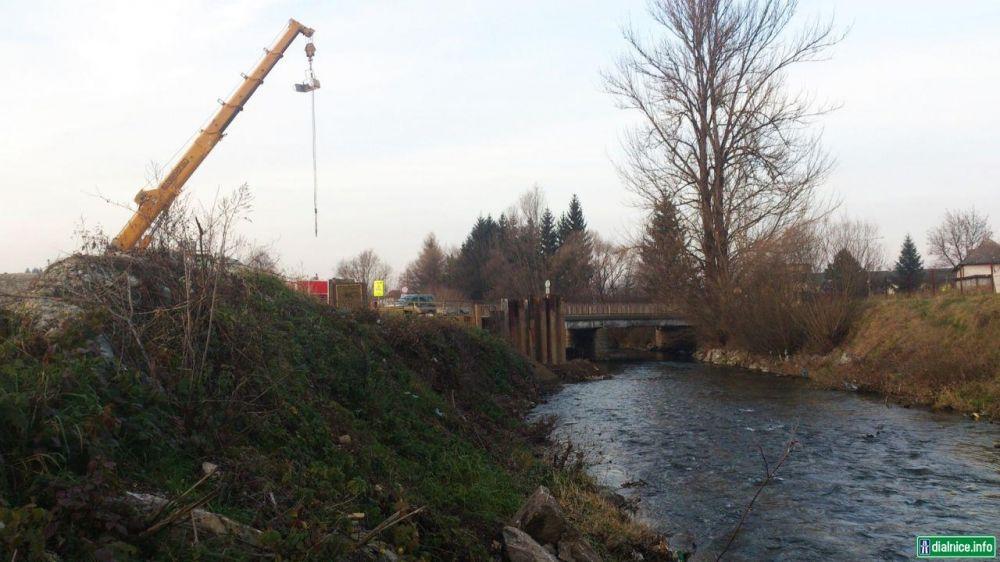 Práce na diaľnici D1 pri Lietavskej Lúčke, foto 1