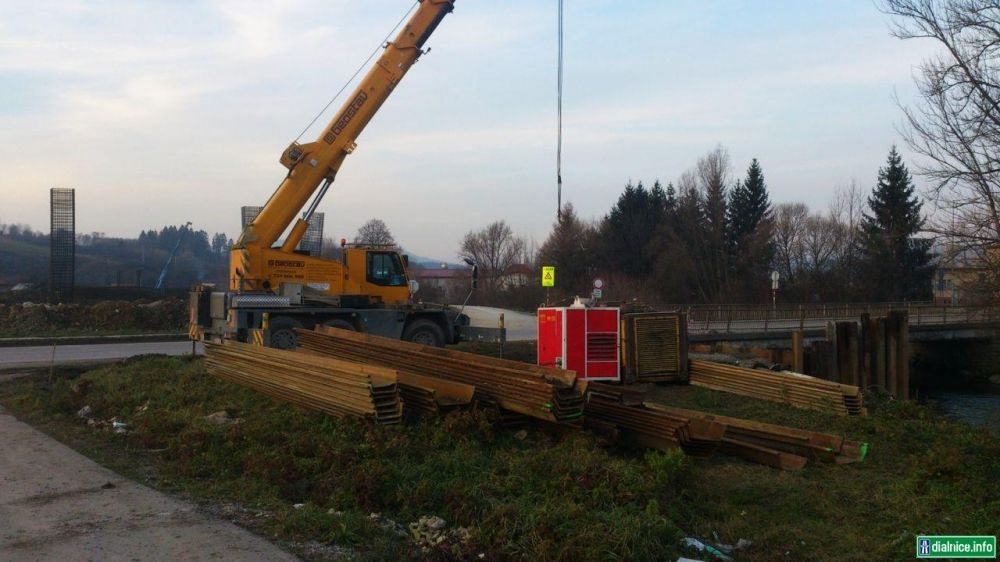 Práce na diaľnici D1 pri Lietavskej Lúčke, foto 2