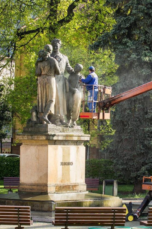 Ranná očista v Parku Slovenského národného povstania, foto 1