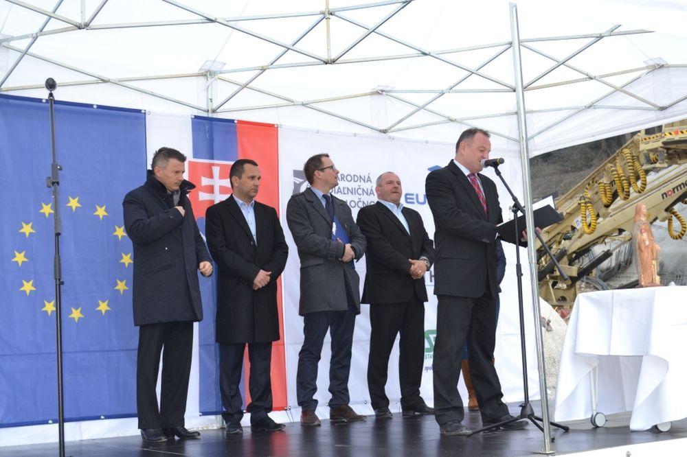 Razenie tunela Považský Chlmec, foto 2