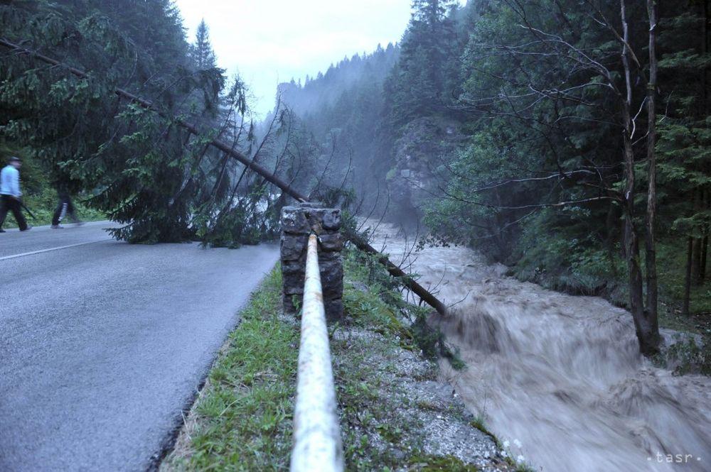 Silná búrka v obci Terchová 21.7.2014, foto 1