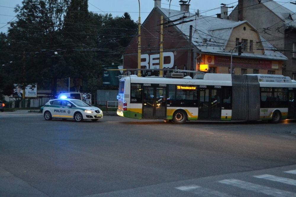 Poškodené vedenie 2.septembra 2014 odstavilo trolejovú dopravu, foto 3