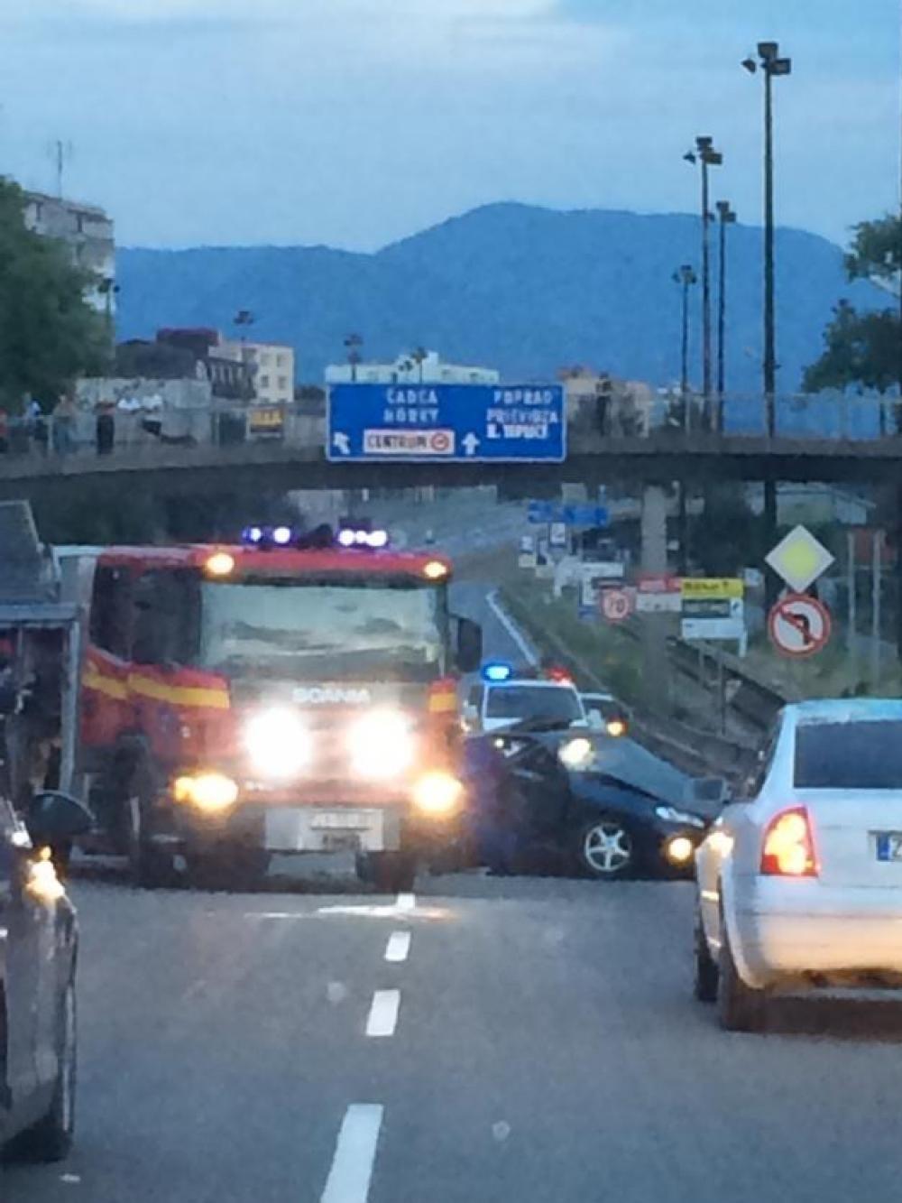 Vážna dopravná nehoda na ulici Mostná - 13.júla 2014, foto 3